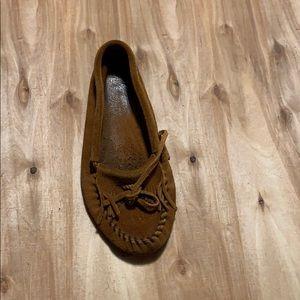 Women's Minnetonka moccasins brown leather size 8